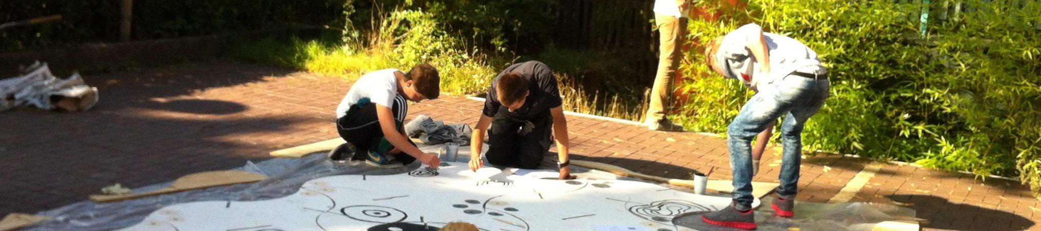 Jugendliche_Gestaltung_Teamskulptur